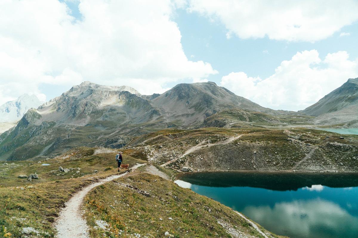 Schweiz Graubuenden Bergsee
