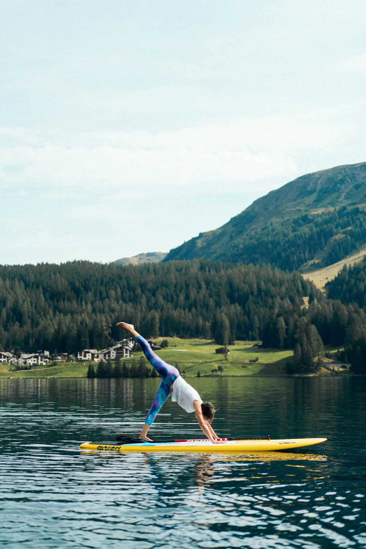 Yoga auf dem SUP Board