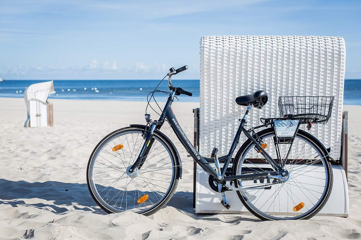 Fahrrad am Strand von Usedom