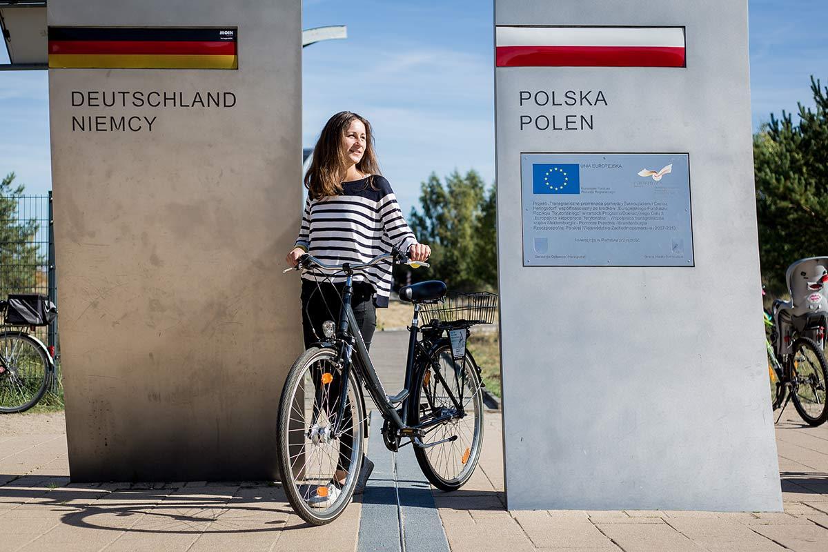 Grenze Deutschland Polen bei der Fahrradtour nach Swindemuende