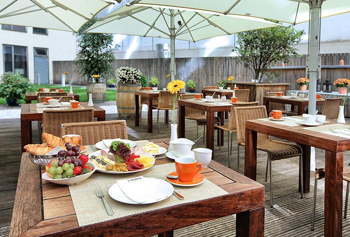 Frühstück im Lindner Hotel