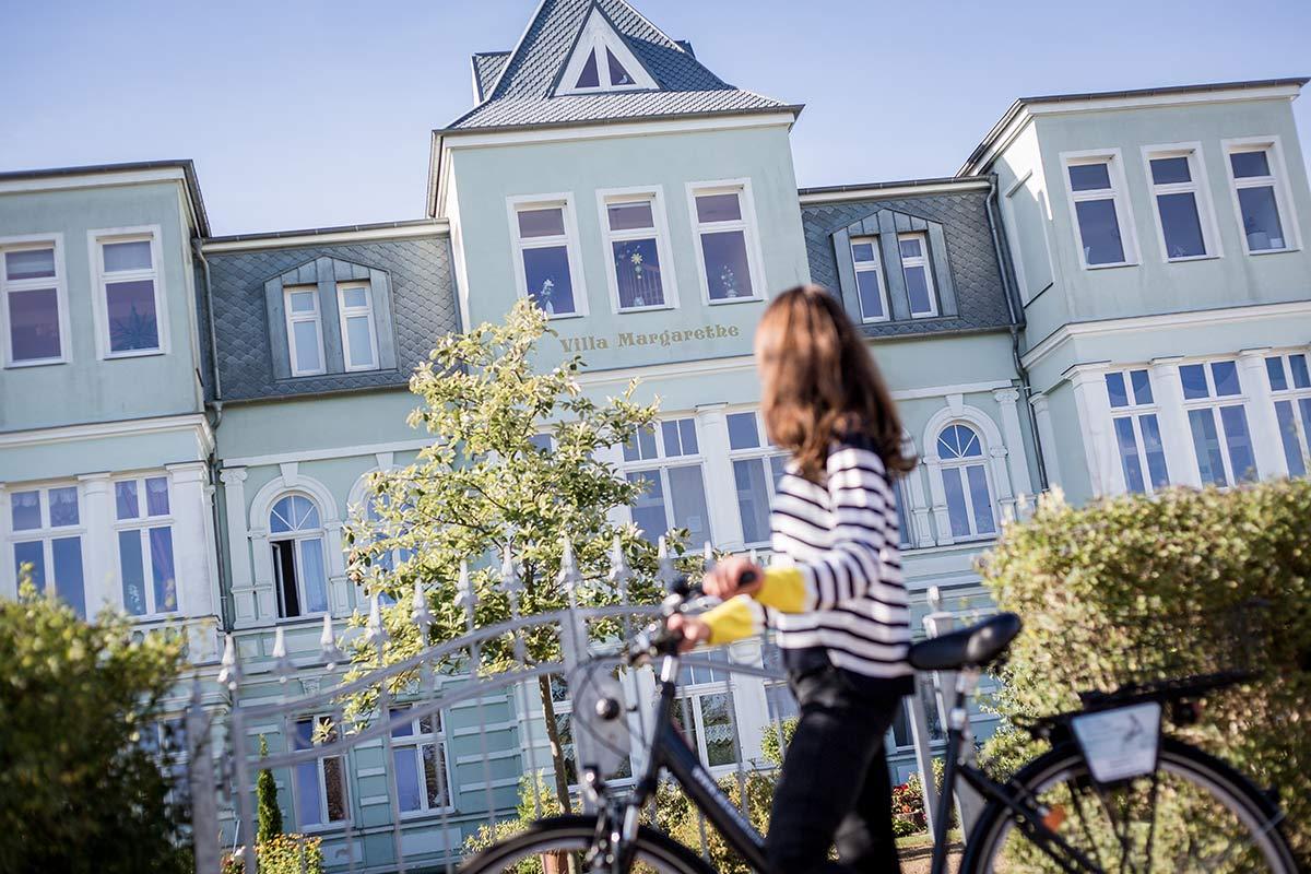 Villen an der Strandpromenade Fahrradtour nach Swindemuende