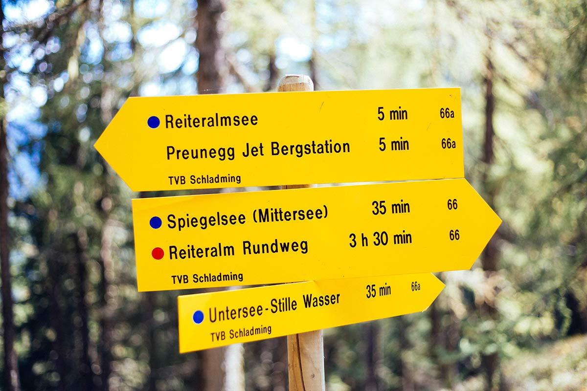 Wanderschilder in Schladming
