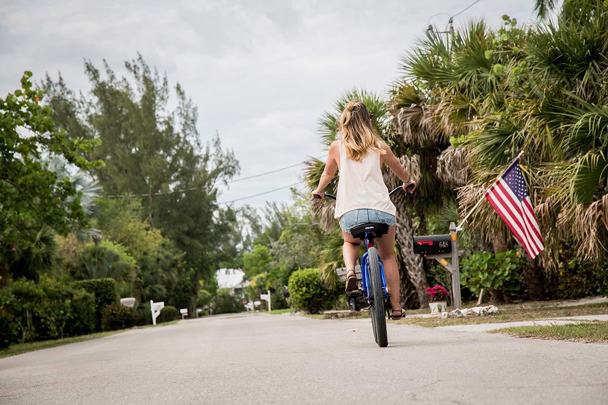 Fahrradfahren auf Sanibel Island in Florida