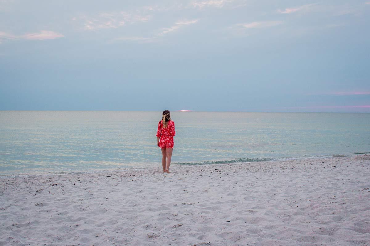 Weißer Sandstrand auf Sanibel Island in Florida