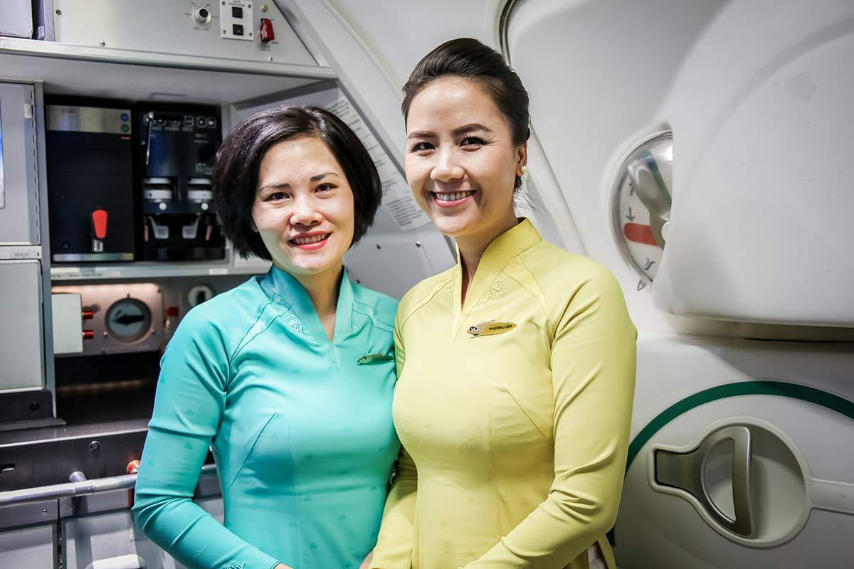 Freundliche Stewardesse Vietnam Airlines