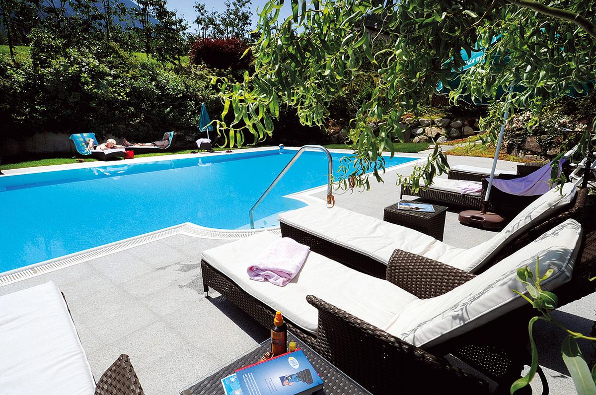 pool hotel kirchsteiger