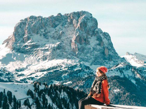 Christin auf Skipiste in Wolkenstein