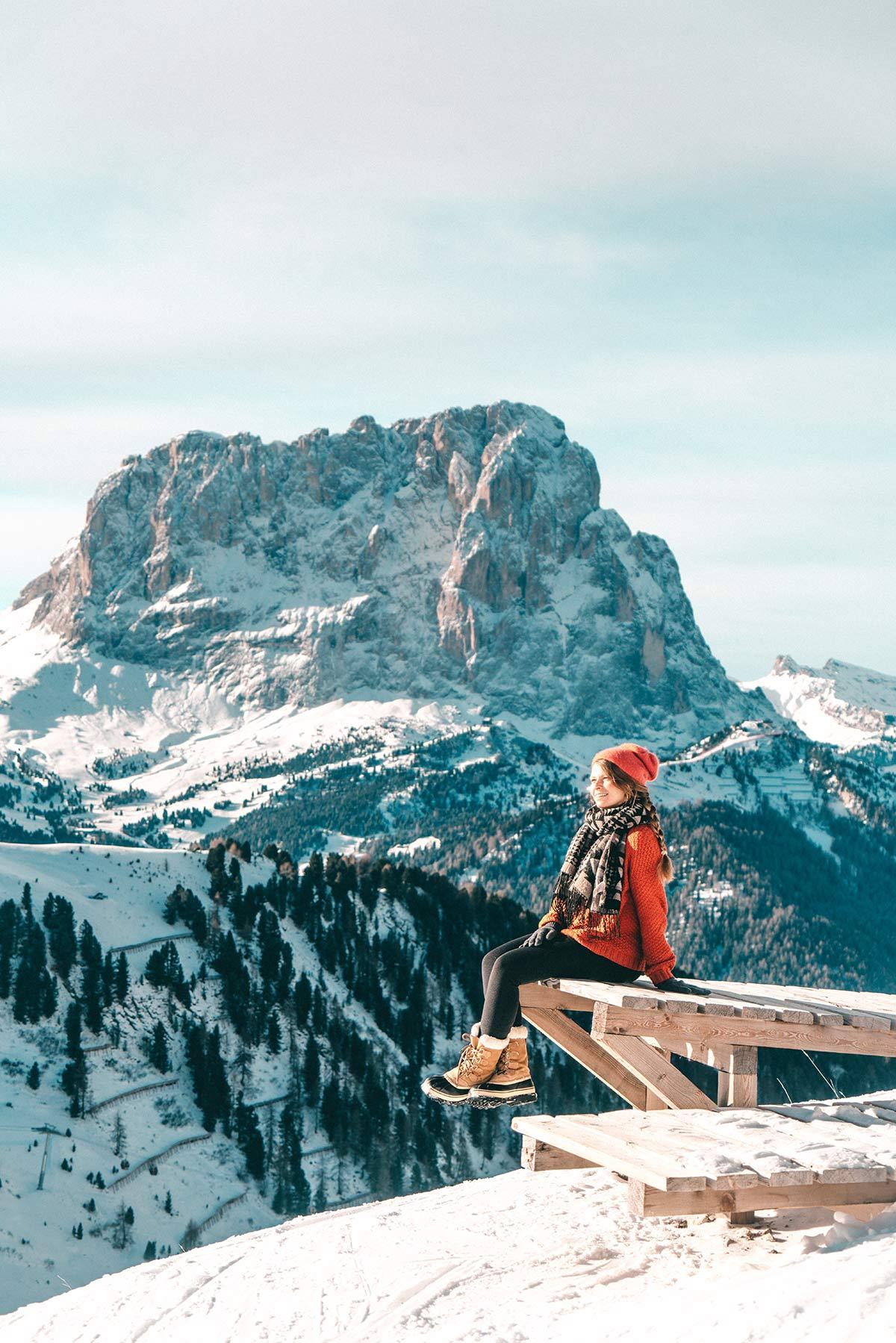 Christine auf Skipiste in Wolkenstein