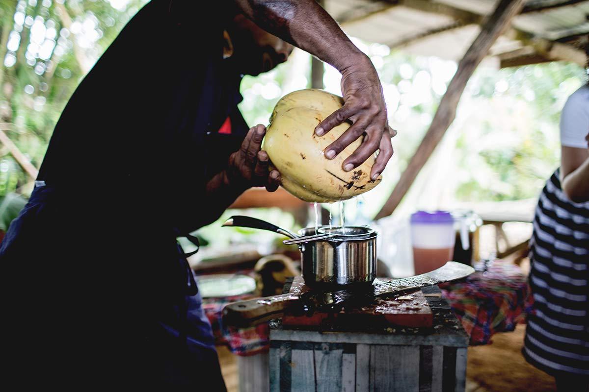 Frischer Kokoswasser Lakau A