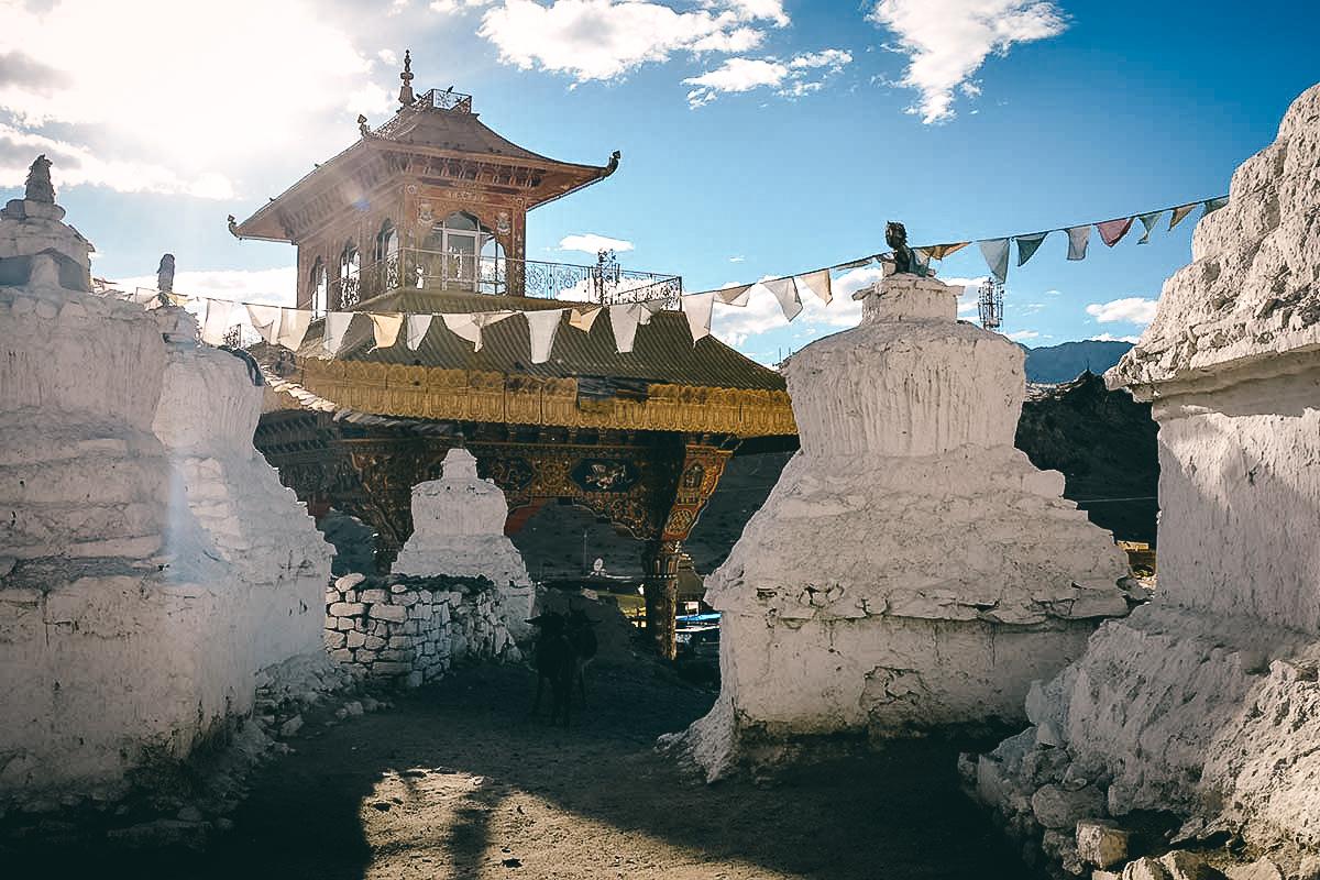 stupas in leh