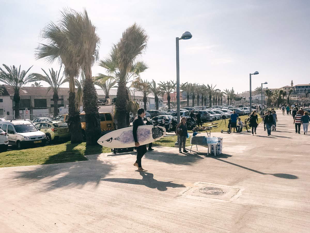 Surfen in Tel Aviv