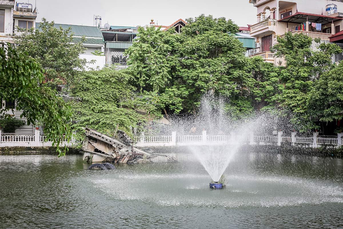 Wrack eines amerikanischen B52 Bombers in Hanoi