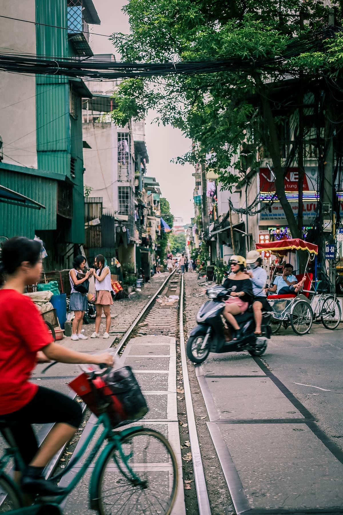 Zugschienen durch die Innenstadt von Hanoi