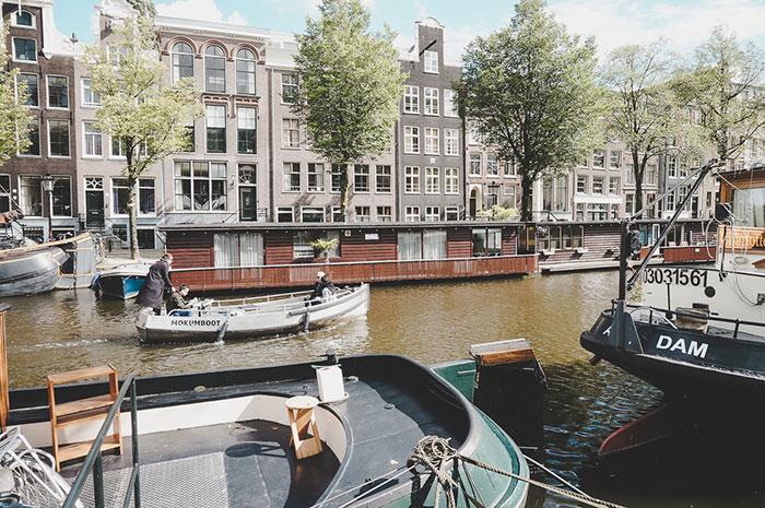 boot amsterdam grachten