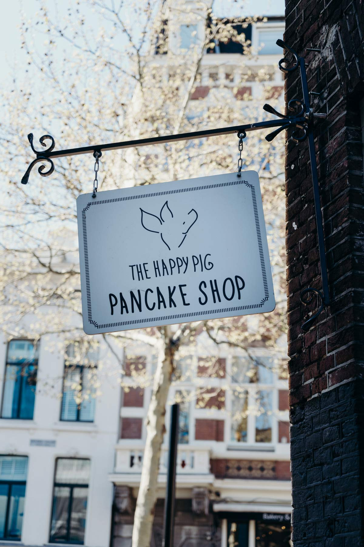 Happy Pig Pancake Shop