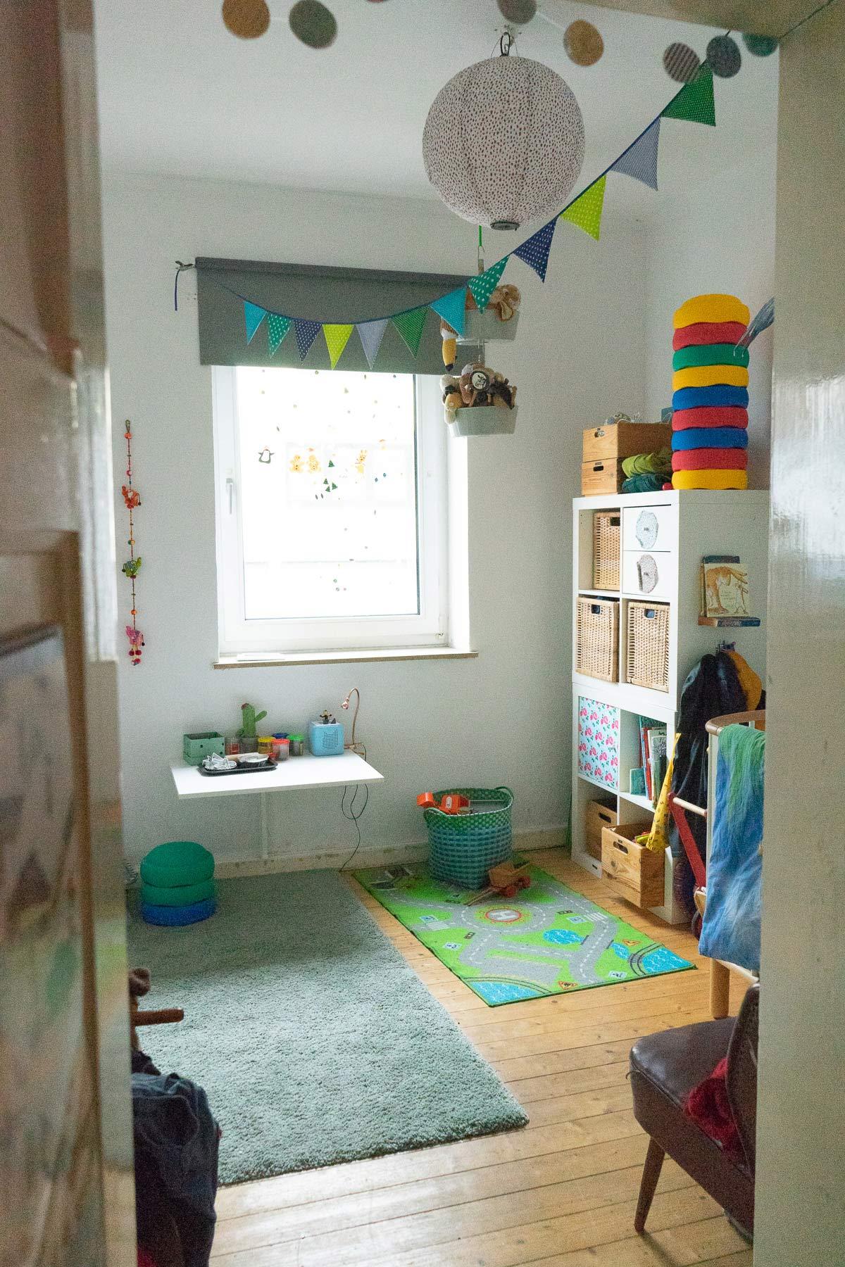 kinderzimmer organisieren minimalismus