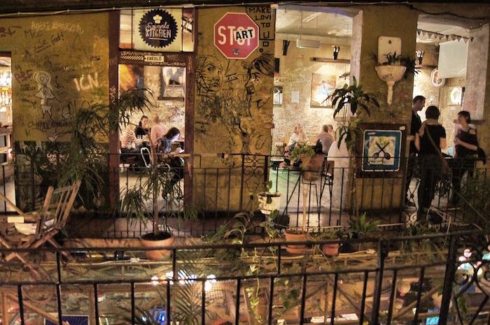 Ruin Bar Budapest Szimpla Kert
