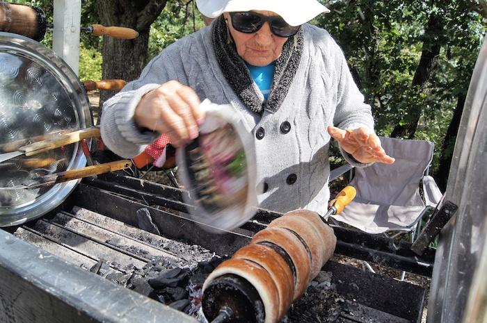 Ungarische Spezialitaeten Baumstriezel