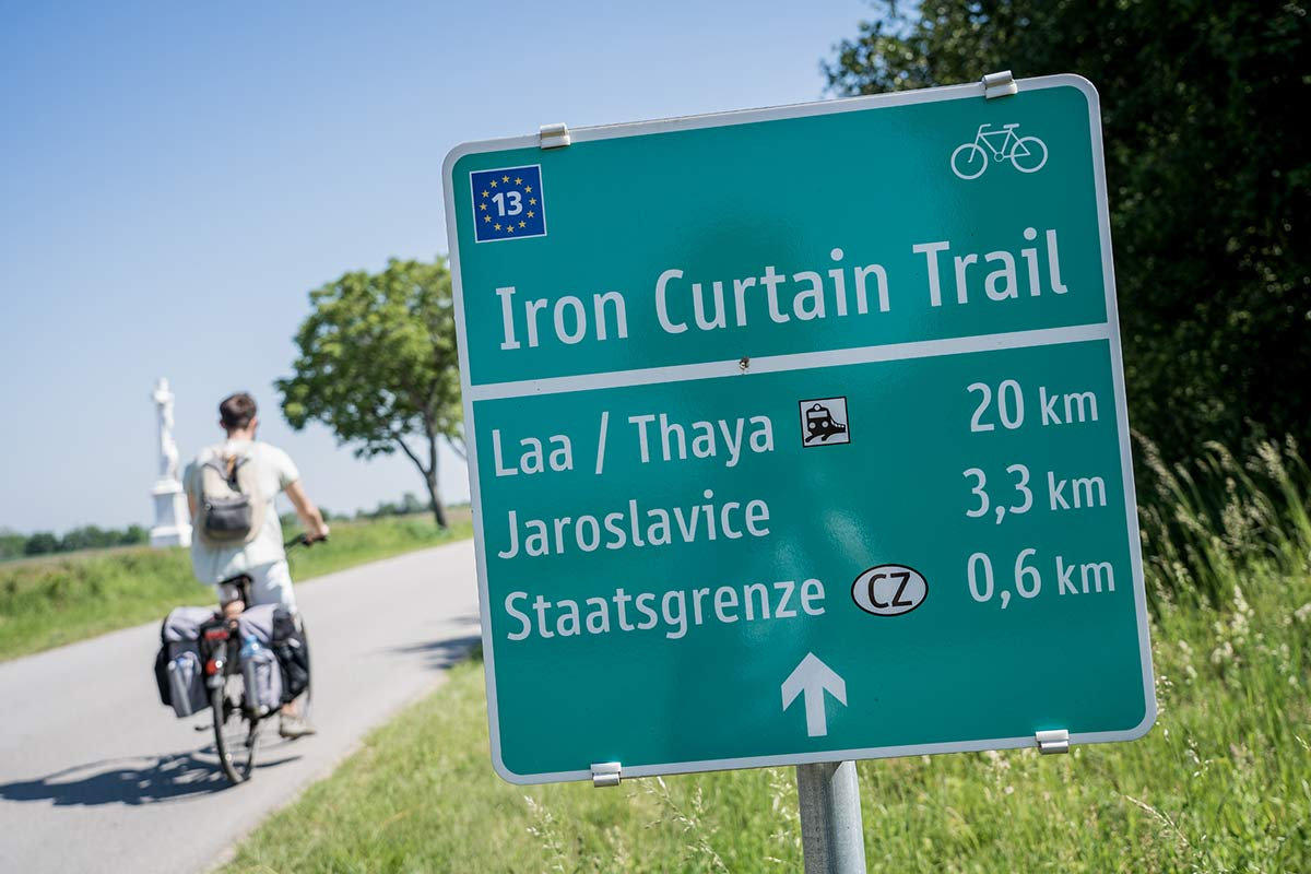 Schild Iron Curtain Trail