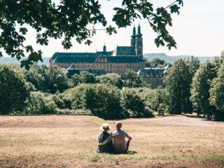 Kloster Banz Ausblick Paar Spaziergang