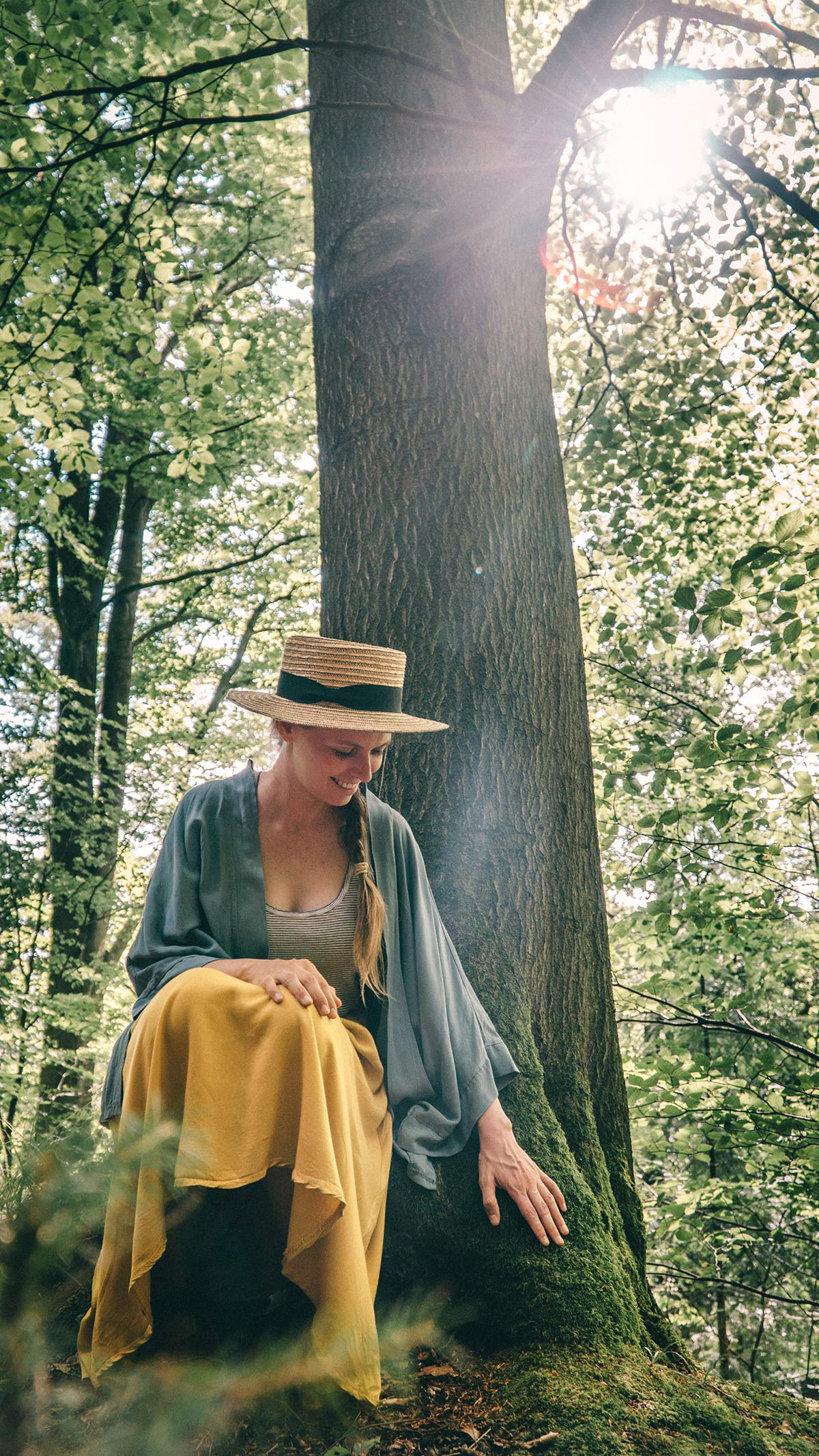Waldbaden Staffelstein anfassen Baum