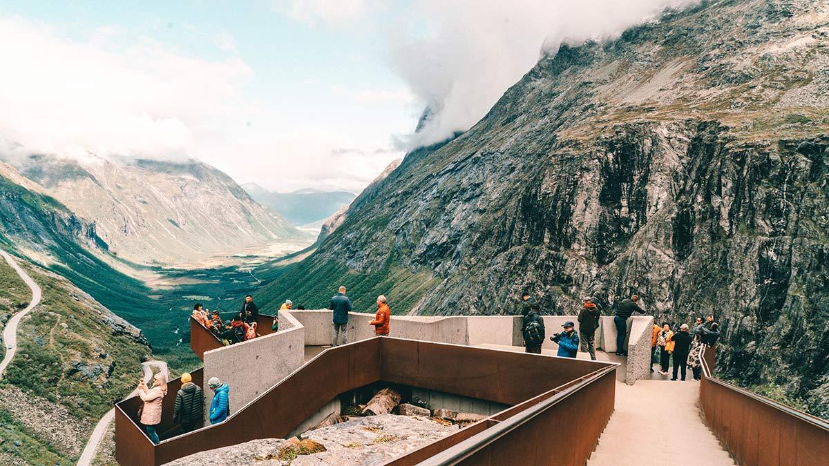 Aussichtsplattform Trollstigen Norwegen