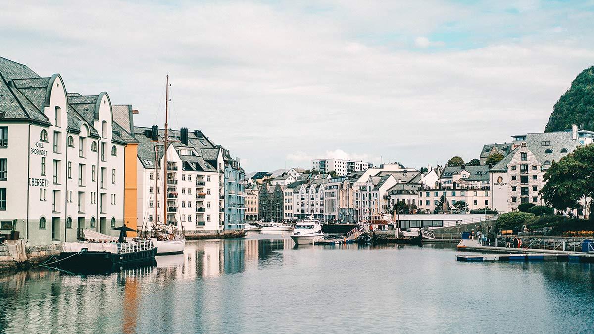 Stadt Alesund Norwegen