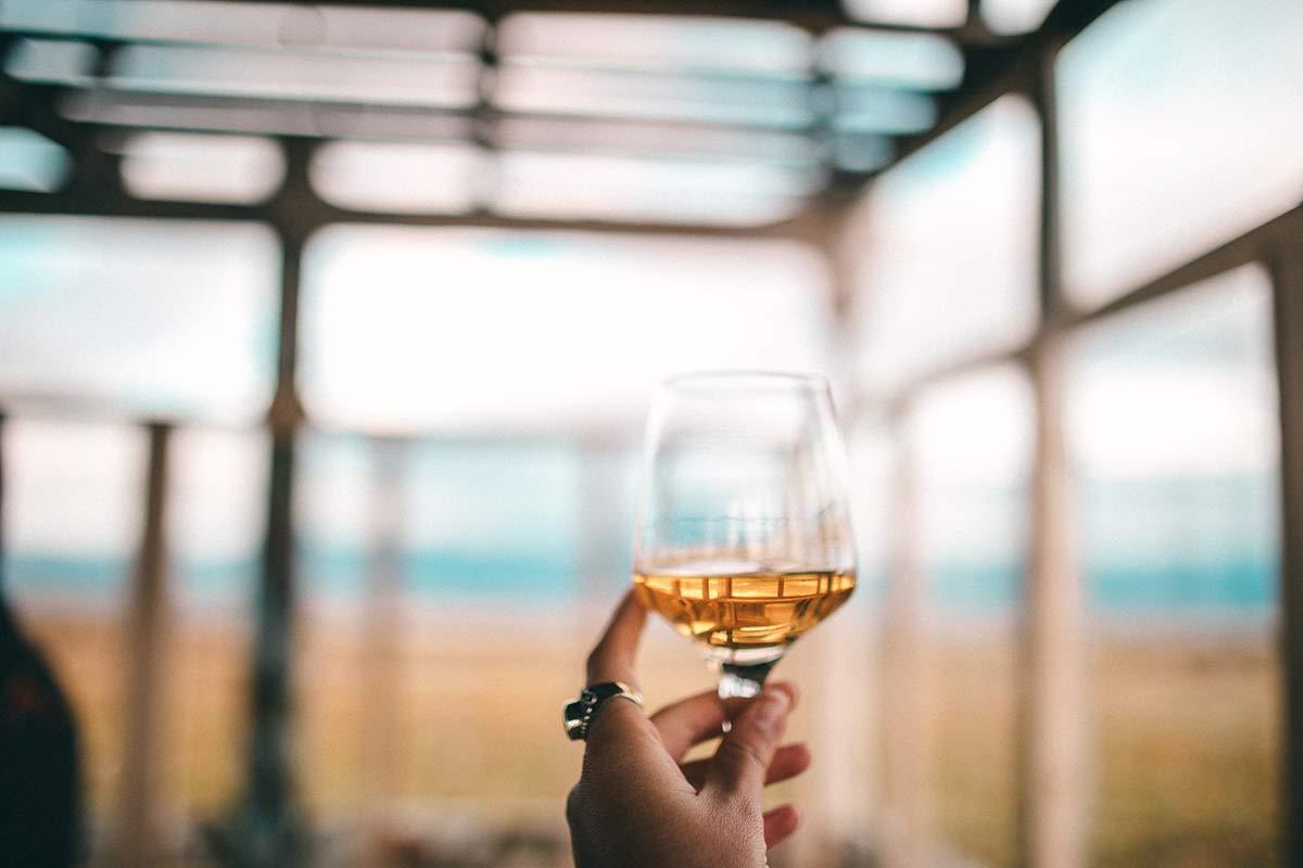 Georgischer Wein gelb