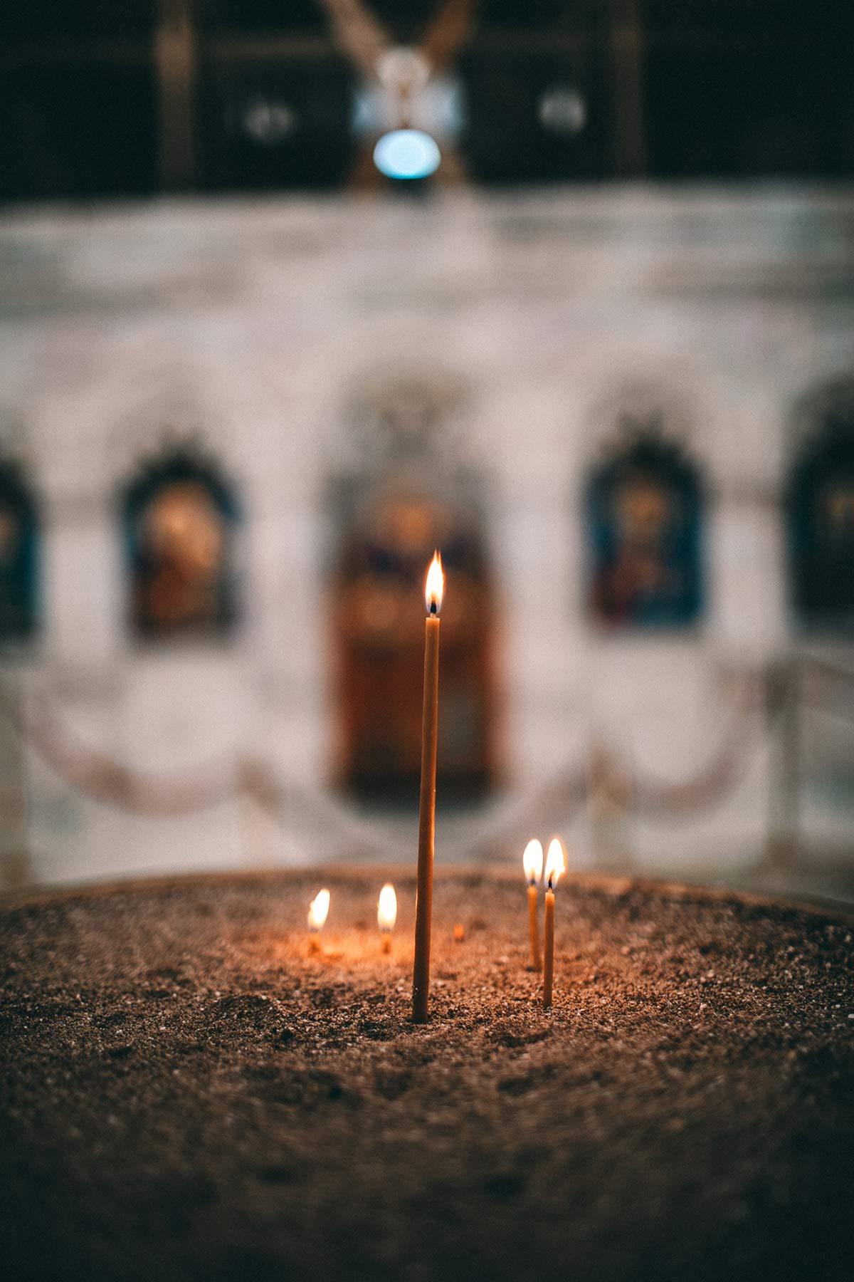 Kerzen Kloster Bobde