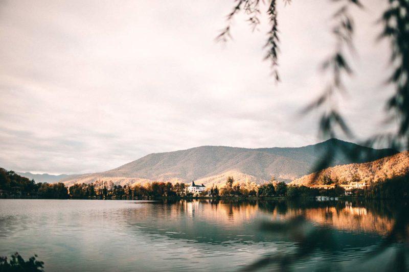 See Lapota Lake Resorts