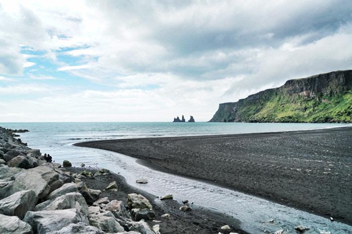 vik schwarzer strand