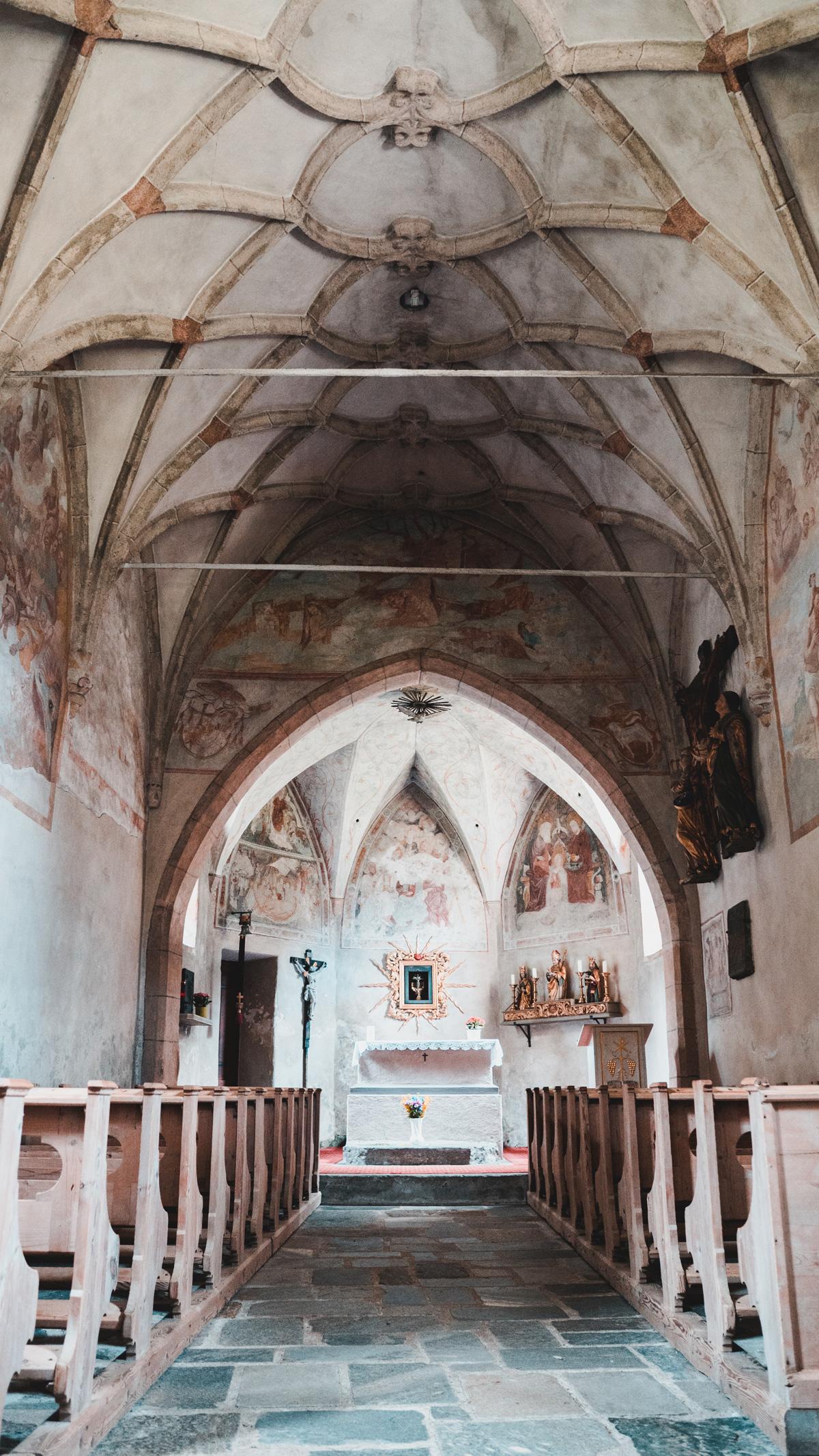 Suedtirol Sehenswuerdigkeiten Kasern Kirche Innen