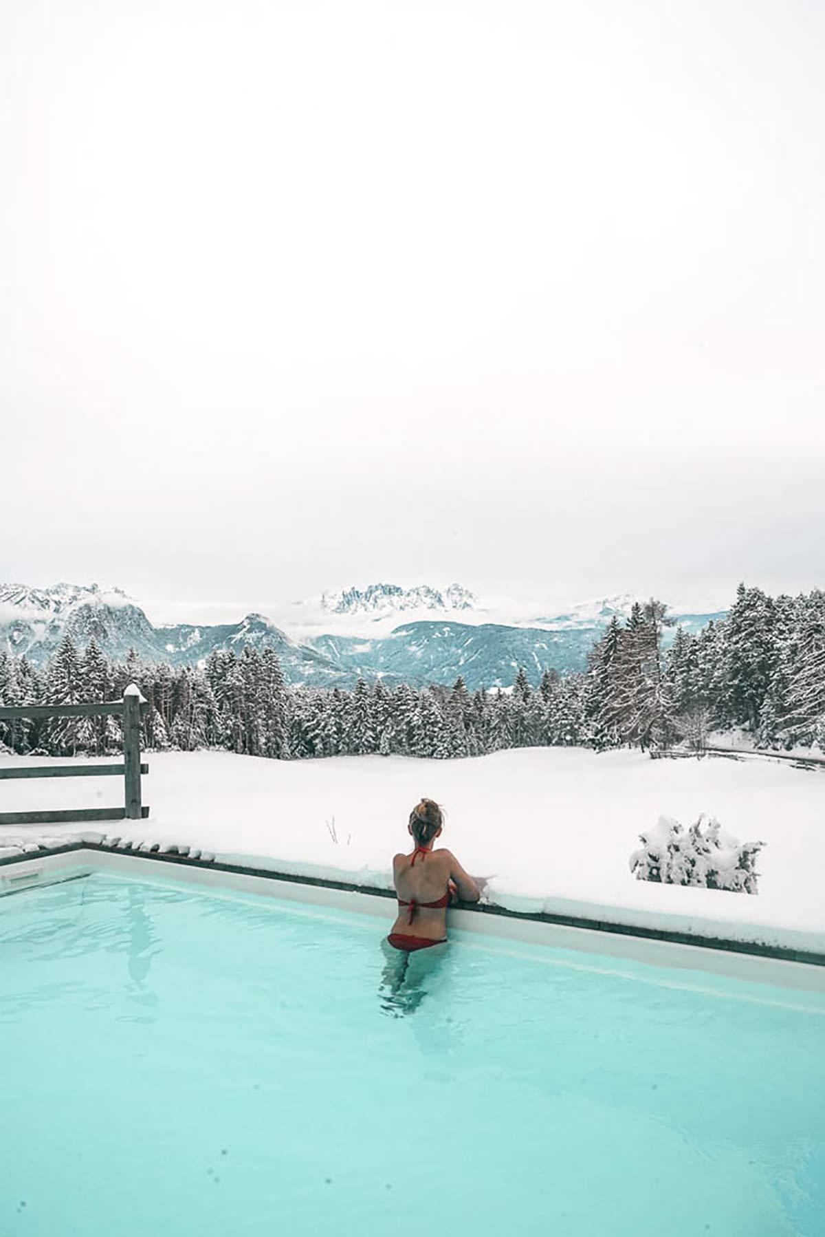 Die schoensten Hotels in Suedtirol Solebecken Pool Hotel Tann