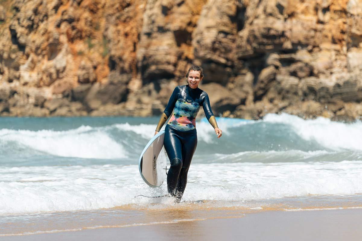 Christine Neder Surfen Portugal