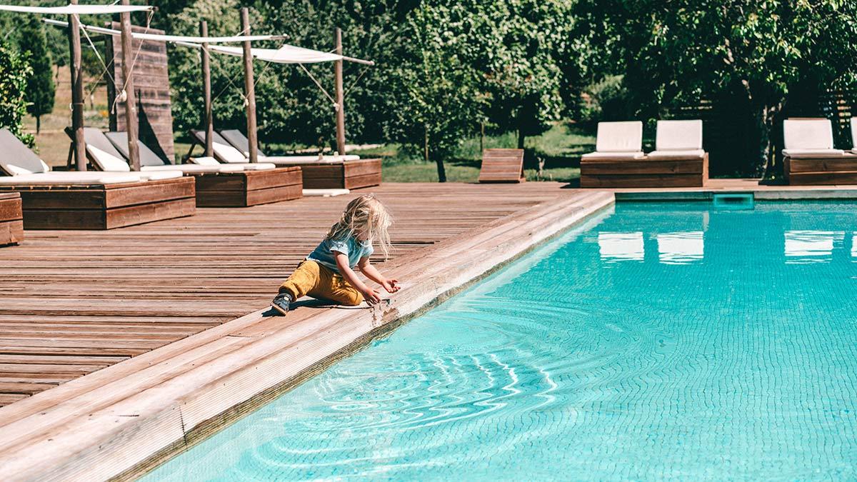 Alma am Pool
