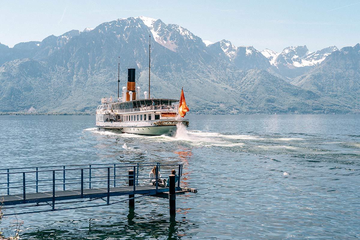 Schiff La Suisse Genfersee